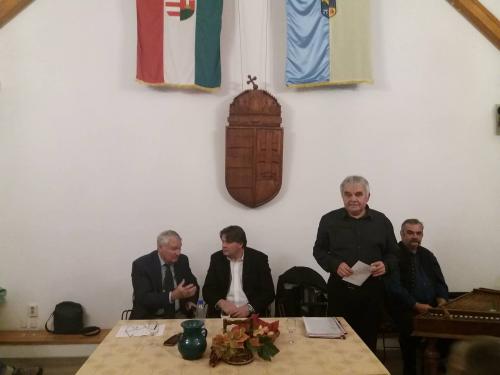 Novemberben is várta a látogatókat a Budakalászi Borklub