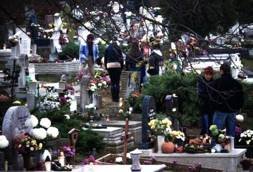 Megújult a katolikus temető kerítése