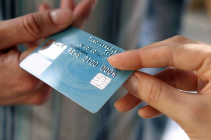 Jogtalan hitelfelvétel egy budakalászi műszaki áruházban