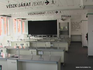 Kísérleti órák a  Móricz laboratóriumában