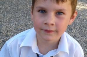 A szentendrei rendőrök a 6 éves Szalai Bencét keresik.